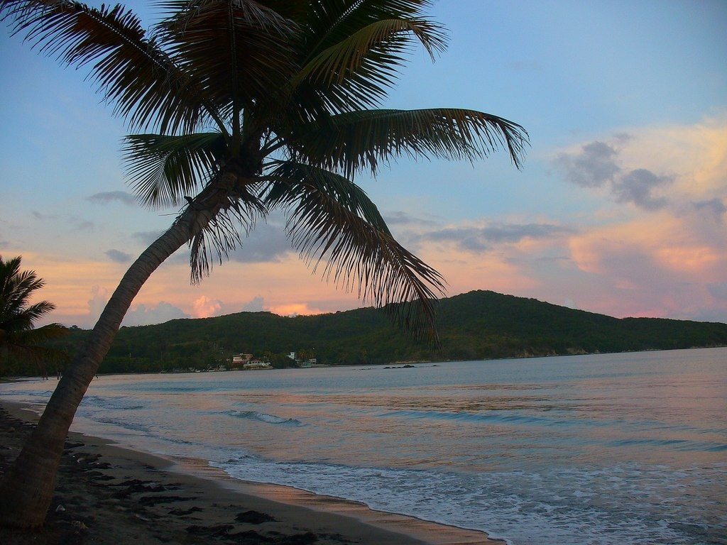 Una_playa_en_Luquillo