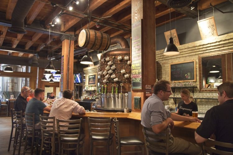 Milwaukee Brewing Company's Ale House | © VISIT Milwaukee