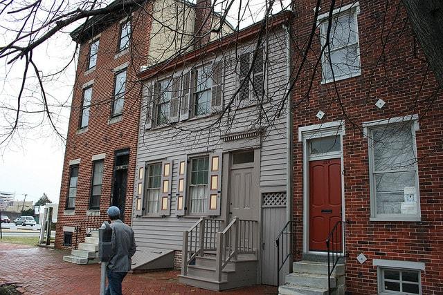 Walt_Whitman_House,_Camden,_New_Jersey