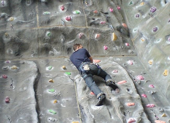 The Best Indoor Climbing and Bouldering Sites in Paris