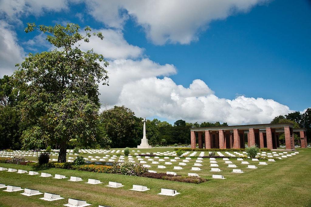 1200px-Labuan_WWII-Memorial
