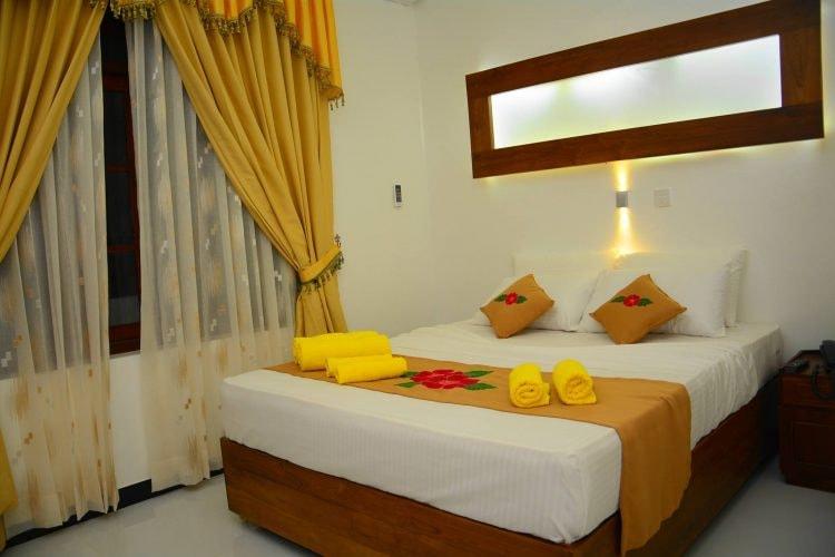 https://www.hotels.com/ho628329/?q-check-out=2018-03-04&FPQ=1&q-check-in=2018-03-03&WOE=7&WOD=6&q-room-0-children=0&pa=7&tab=description&JHR=1&q-room-0-adults=2&YGF=2&MGT=1&ZSX=0&SYE=3