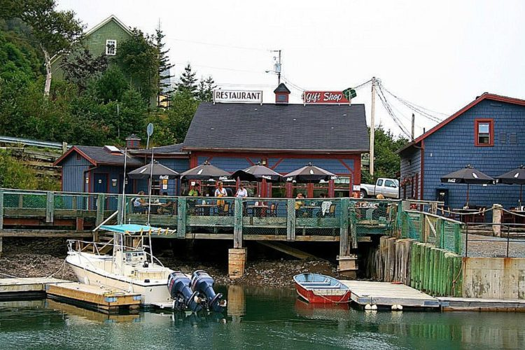 Hall's Harbour Restaurant