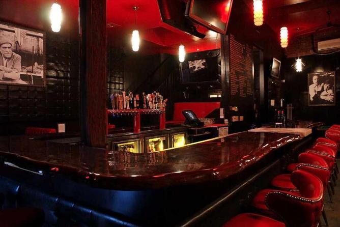 Bar Chloe, Santa Monica