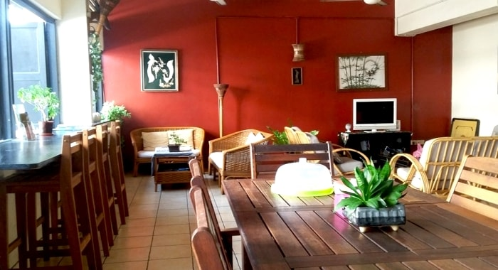 Akinabalu-youth-hostel-sabah-malaysia-lounge-common-area-table-chair-sofas