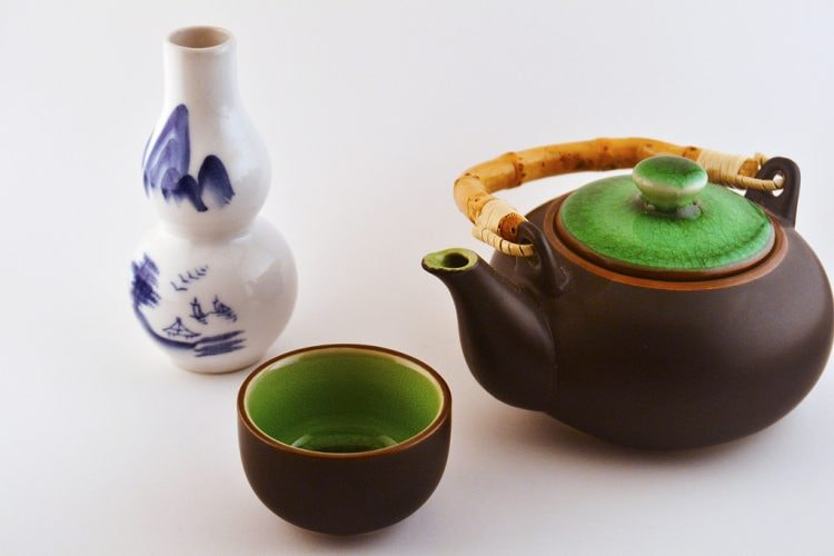 Chinese tea set © CJ/Flickr