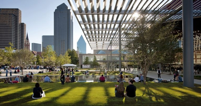 8 Cool Things to Do in Dallas at Night