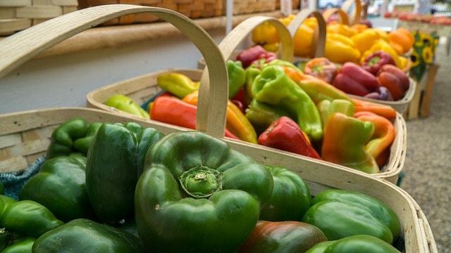 farmers-market-988782_640