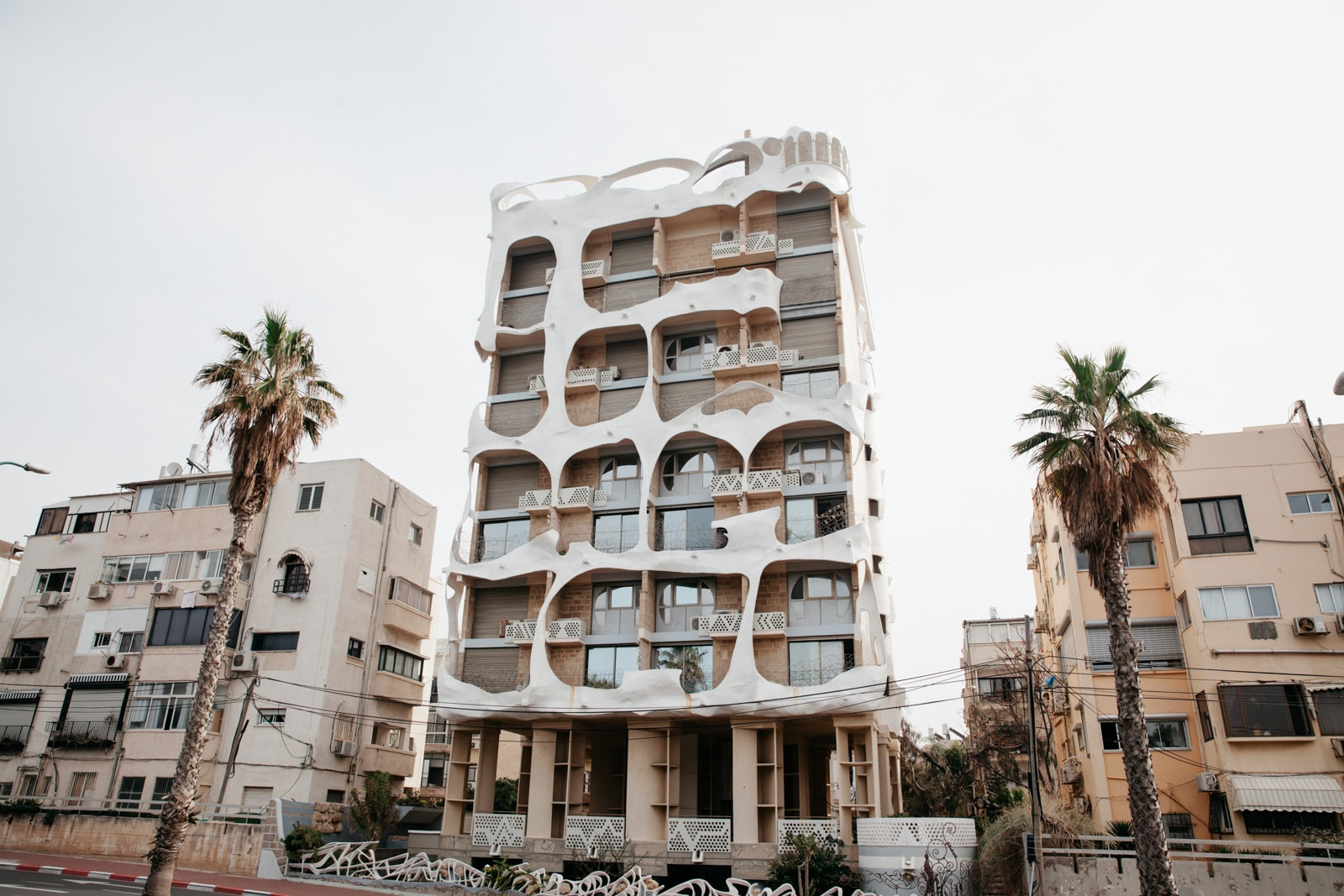 KCTP00019-THE CRAZY HOUSE-ARCHITECTURE-TEL AVIV-ISRAEL-GRANT