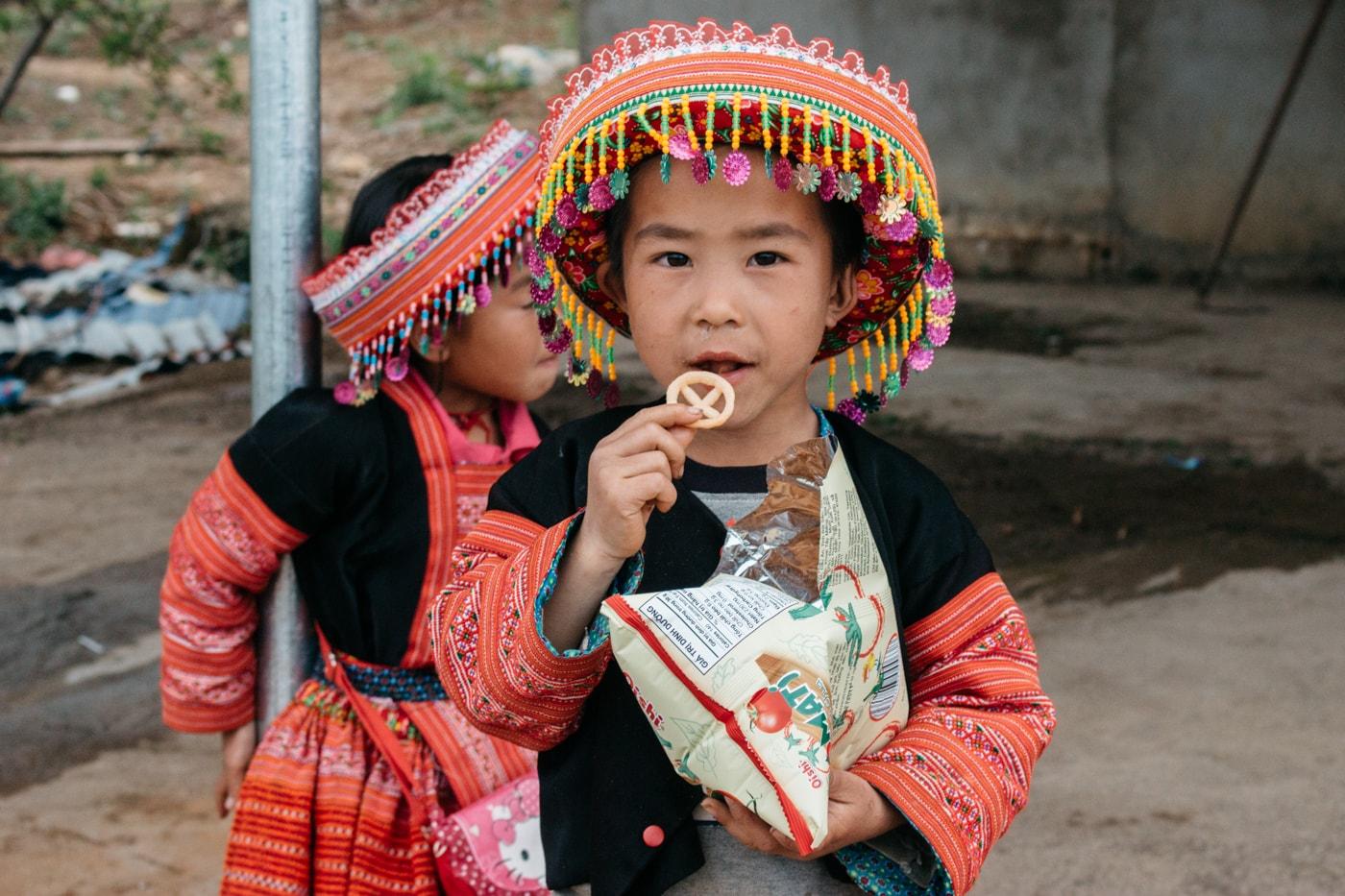 hmongs vietnamese ile ilgili görsel sonucu