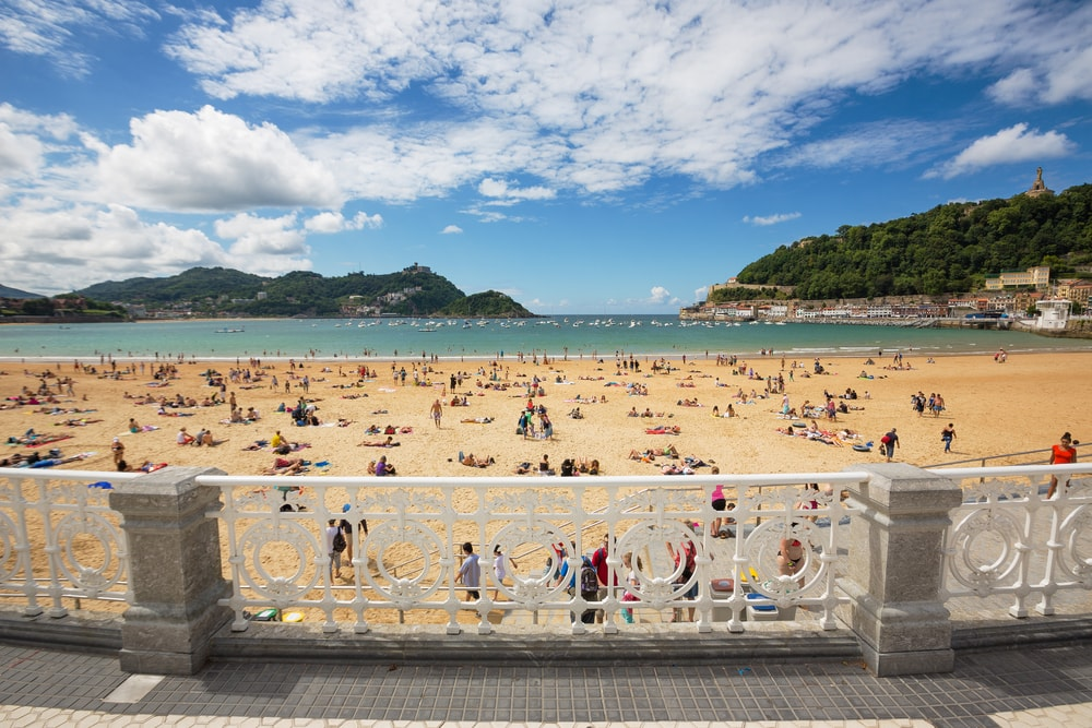 Playa De La Concha, San Sebastian Beach, Spain | © evantravels/Shutterstock