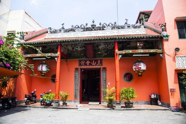 Tam Son Hoi Quan Pagoda   © melis/Shutterstock