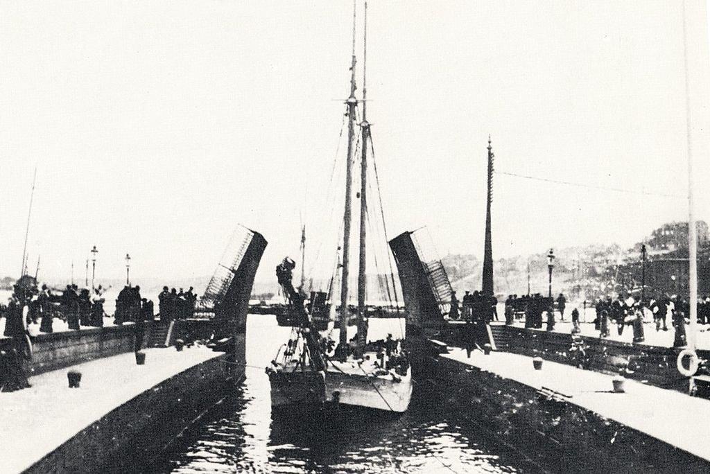Slussen,_Stockholm,_1890