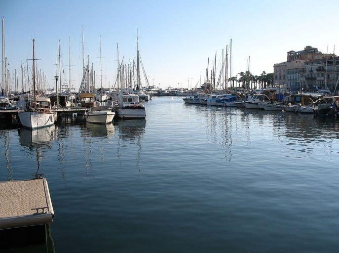 Quai Saint-Pierre, Cannes |© Public domain / WikiCommons
