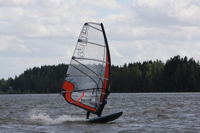 windsurfing-2066979_1920