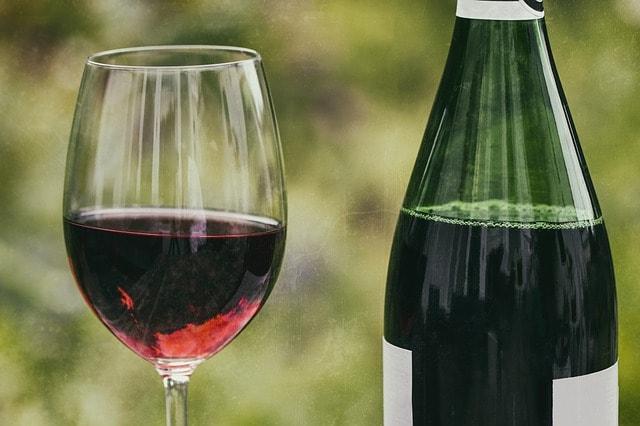 wine-2408619_640