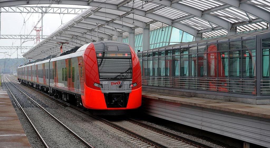1200px-ES2G-032_at_Luzhniki_platform