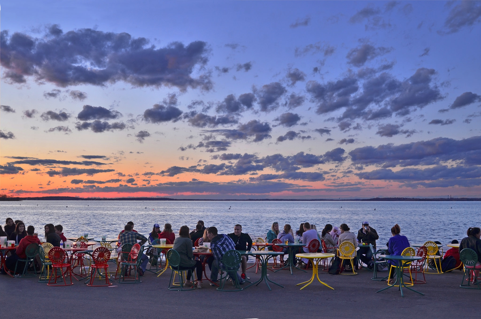 Encounter On Lake Mendota >> 11 Things Tourists Should Never Do In Madison Wisconsin Ever
