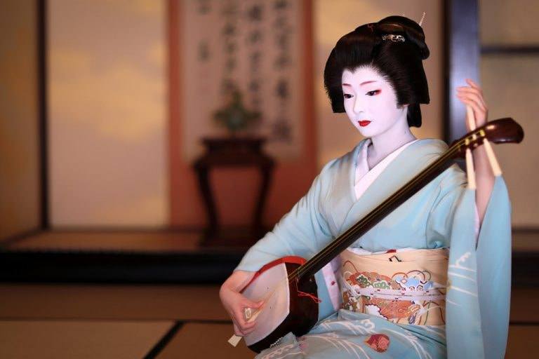 A Brief History Of The Japanese Kimono