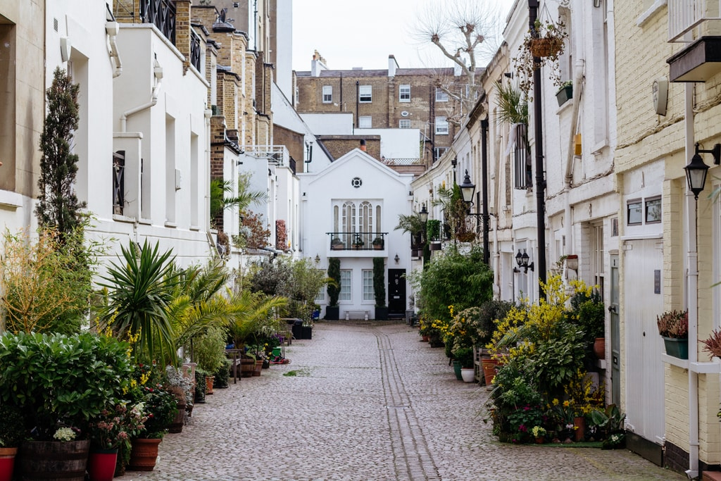 London Motor Cars >> 10 of the Most Beautiful Mews Streets in London