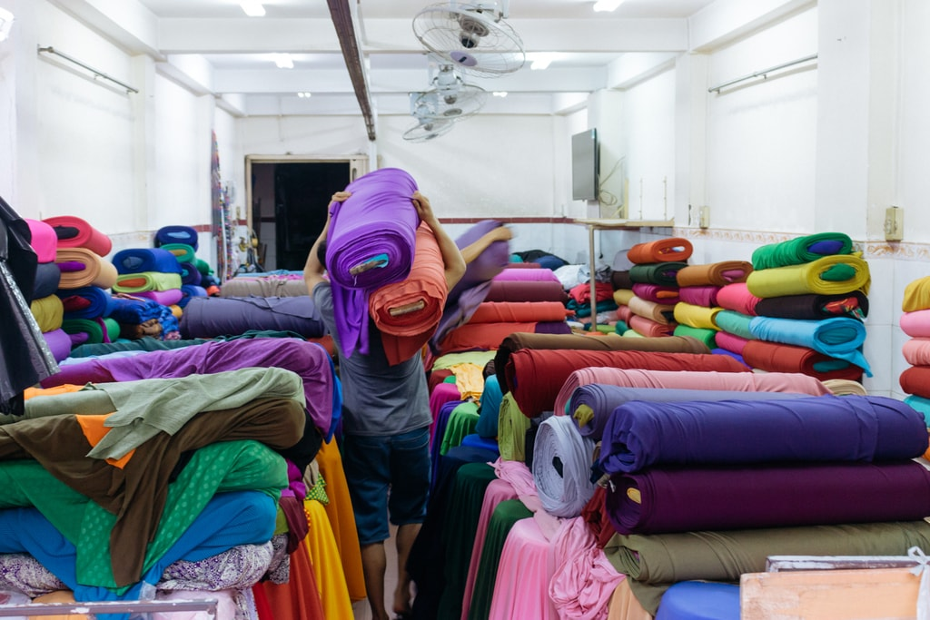 SOAI KINH LAM-FABRICS-MARKET-DISTRICT 5-SAIGON-VIETNAM