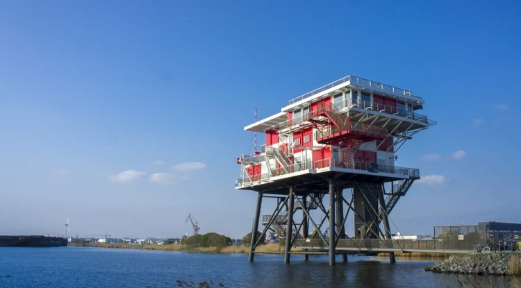 Artificial offshore island, Amsterdam harbour district | © Rafael Croonen/Shutterstock
