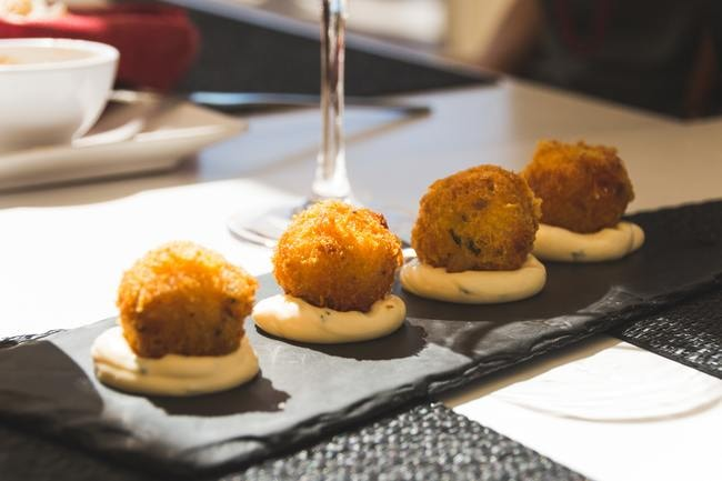 Why Are Petiscos the Perfect Meal in Portugal?