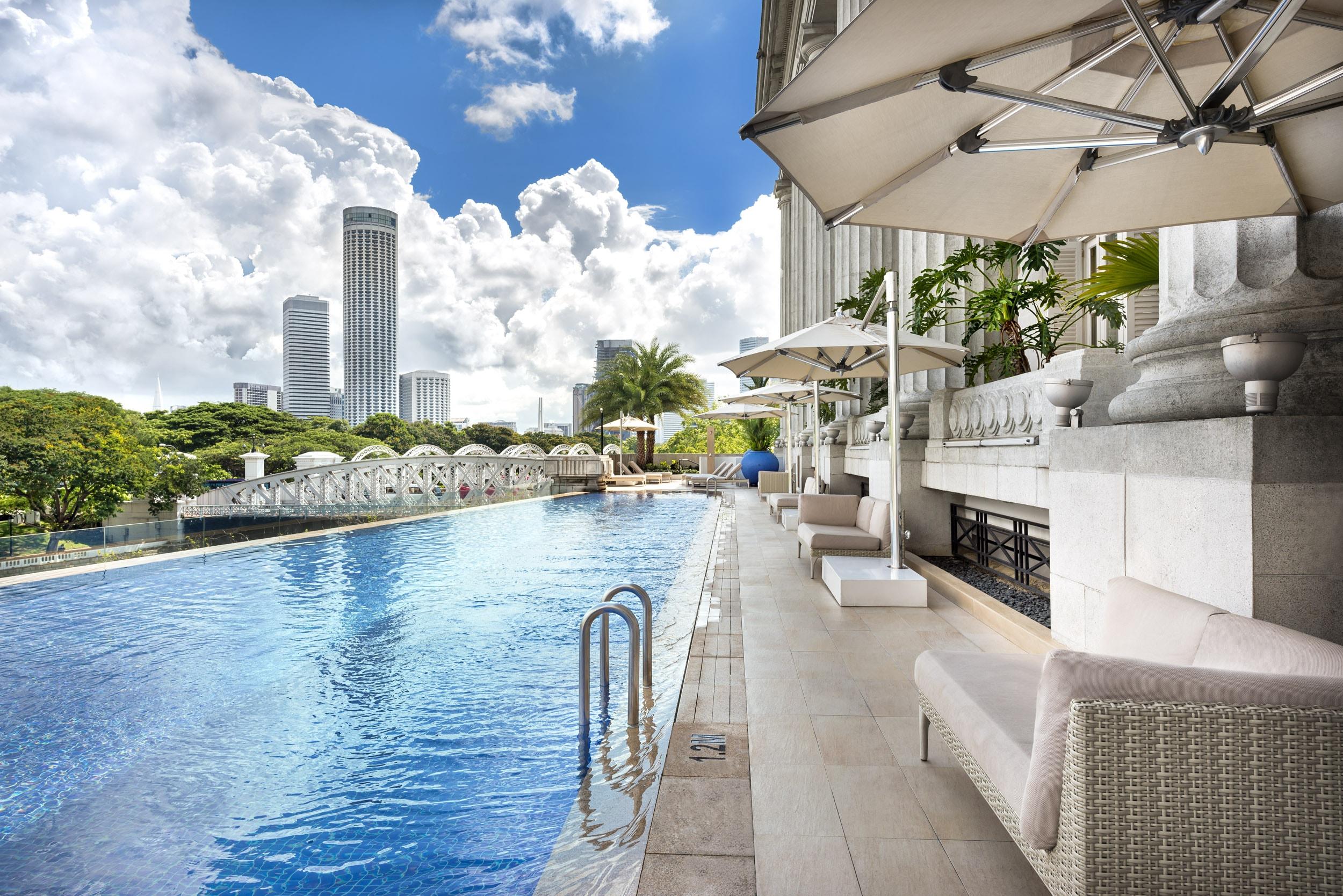 Luxury Swimming Pool Near Singapore