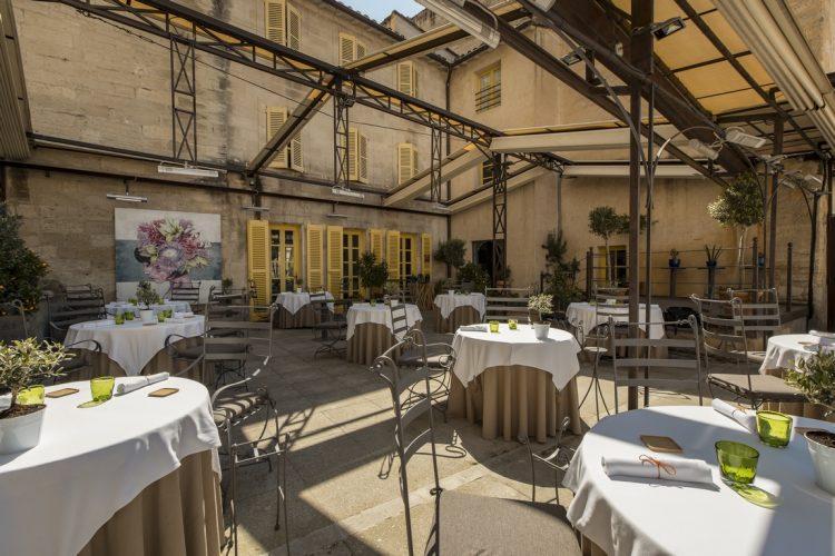 terrasse restaurant Christian Etienne avignon