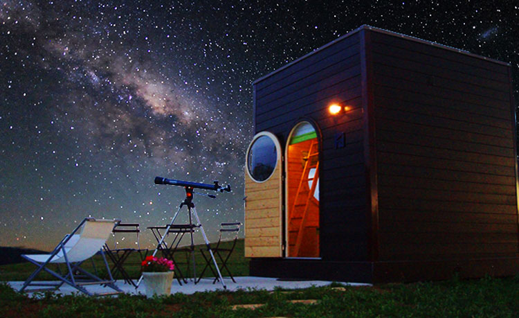 These Sustainable Compact 'Star Cabins' in France are a Stargazer's Dream
