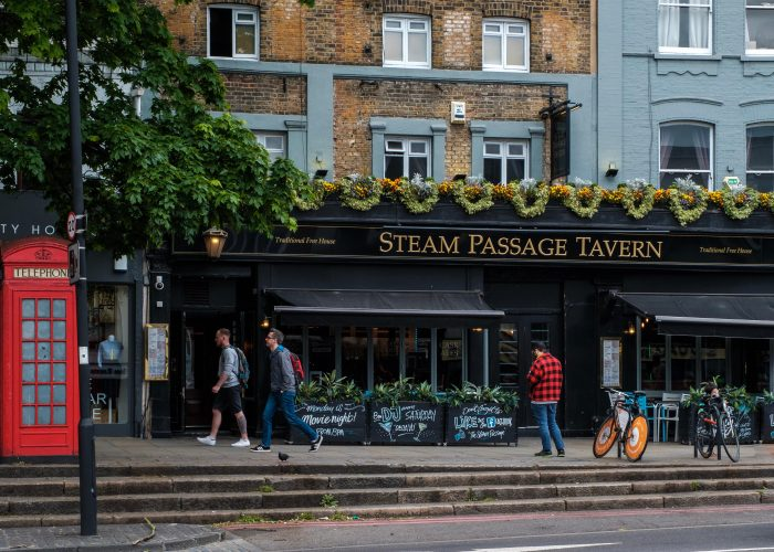The steam Passage tavern, Upper street, London