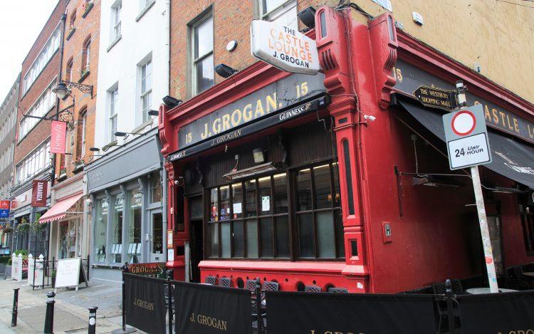 Grogans pub, South William Street, city centre Dublin.