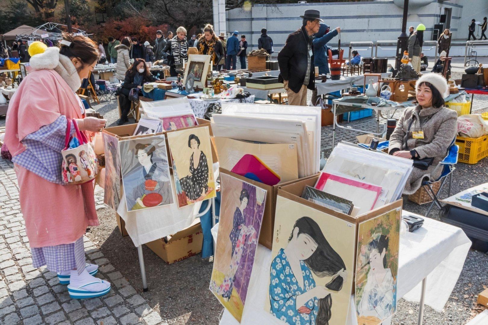 Japan, Honshu, Tokyo, Yoyogi Park, Oedo Antique Market, Lady Dressed in Kimono Shopping