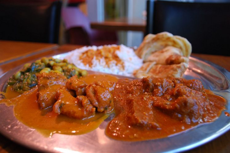 Eat rice or roti with many types of curries to choose from