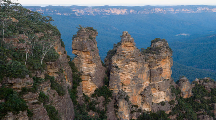 The Three Sisters © Diliff / Wikimedia Commons