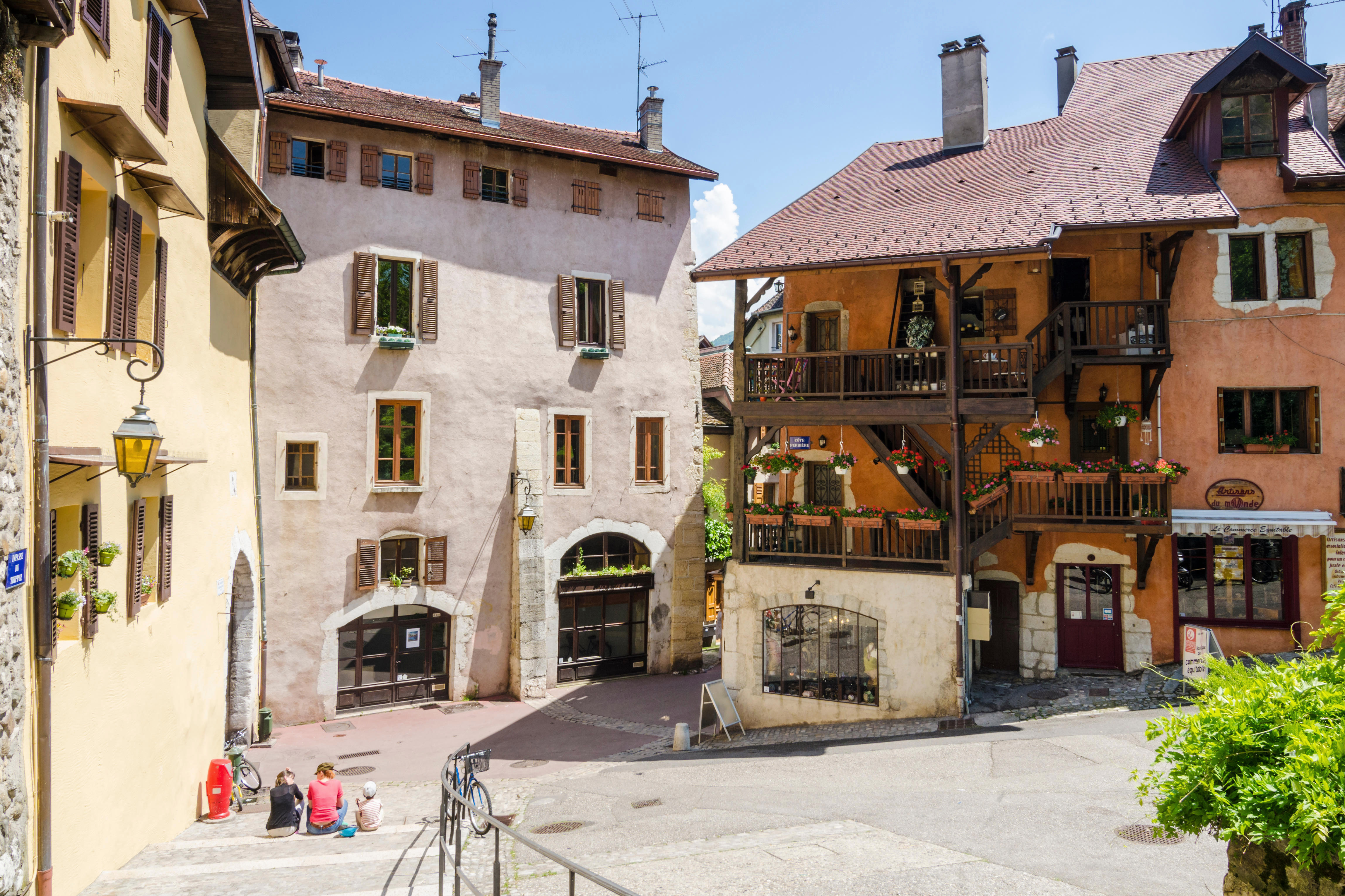 Buildings in the old town of Annecy, Haute-Savoie, Rhone-Alpes, France. Image shot 2013. Exact date unknown.