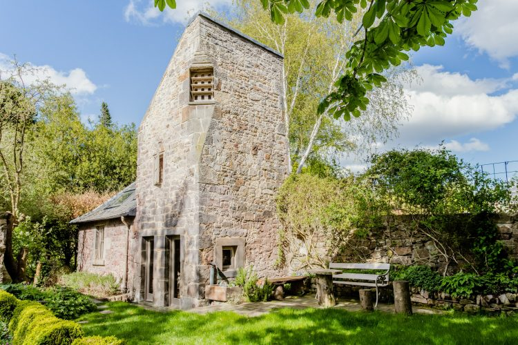 Enchanting 16th-century dovecote cottage