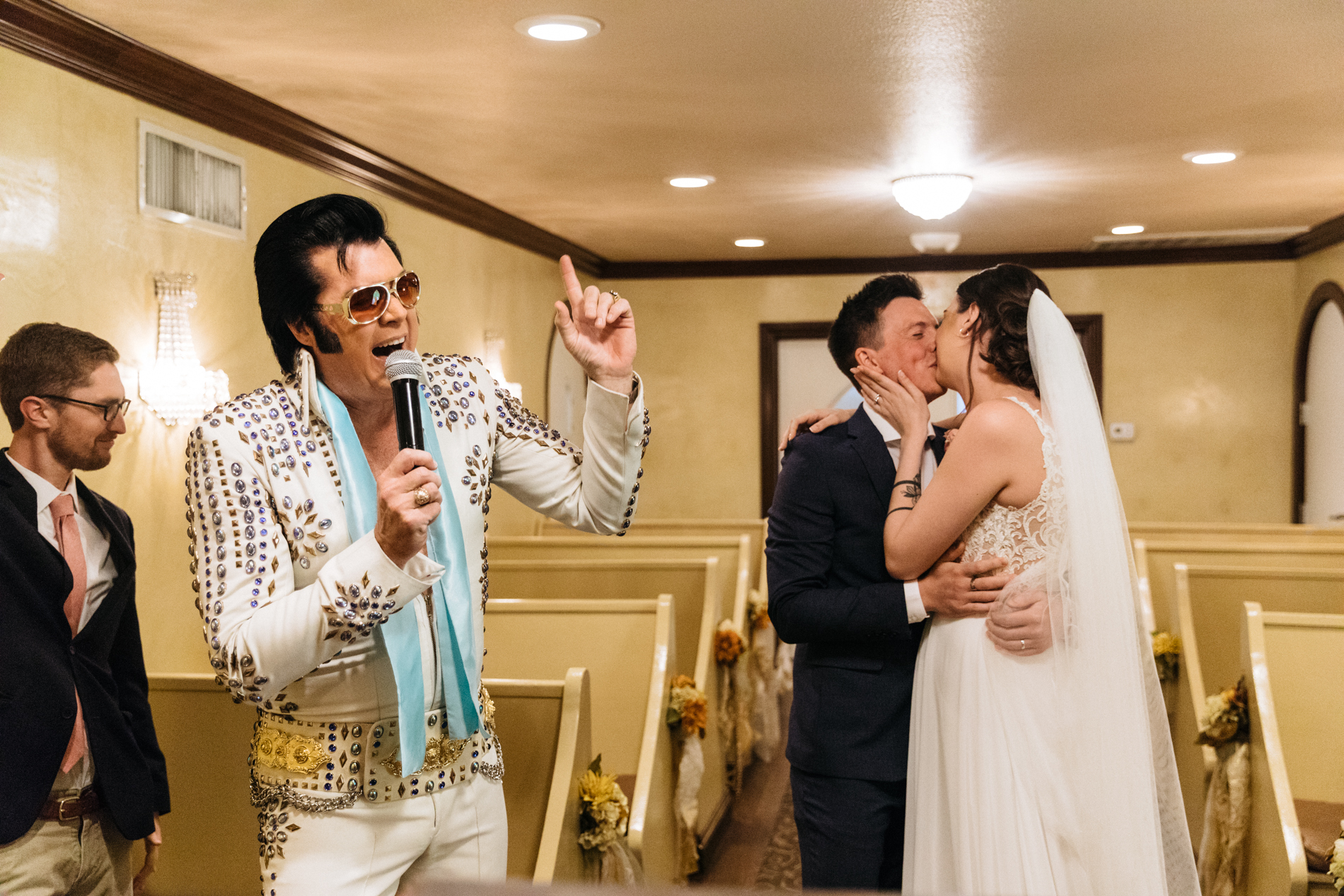 Graceland Wedding Chapel: The First Chapel With an Elvis Impersonator