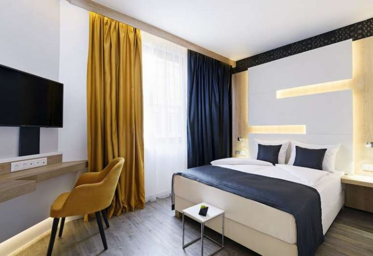 Double room at KViHotel Budapest