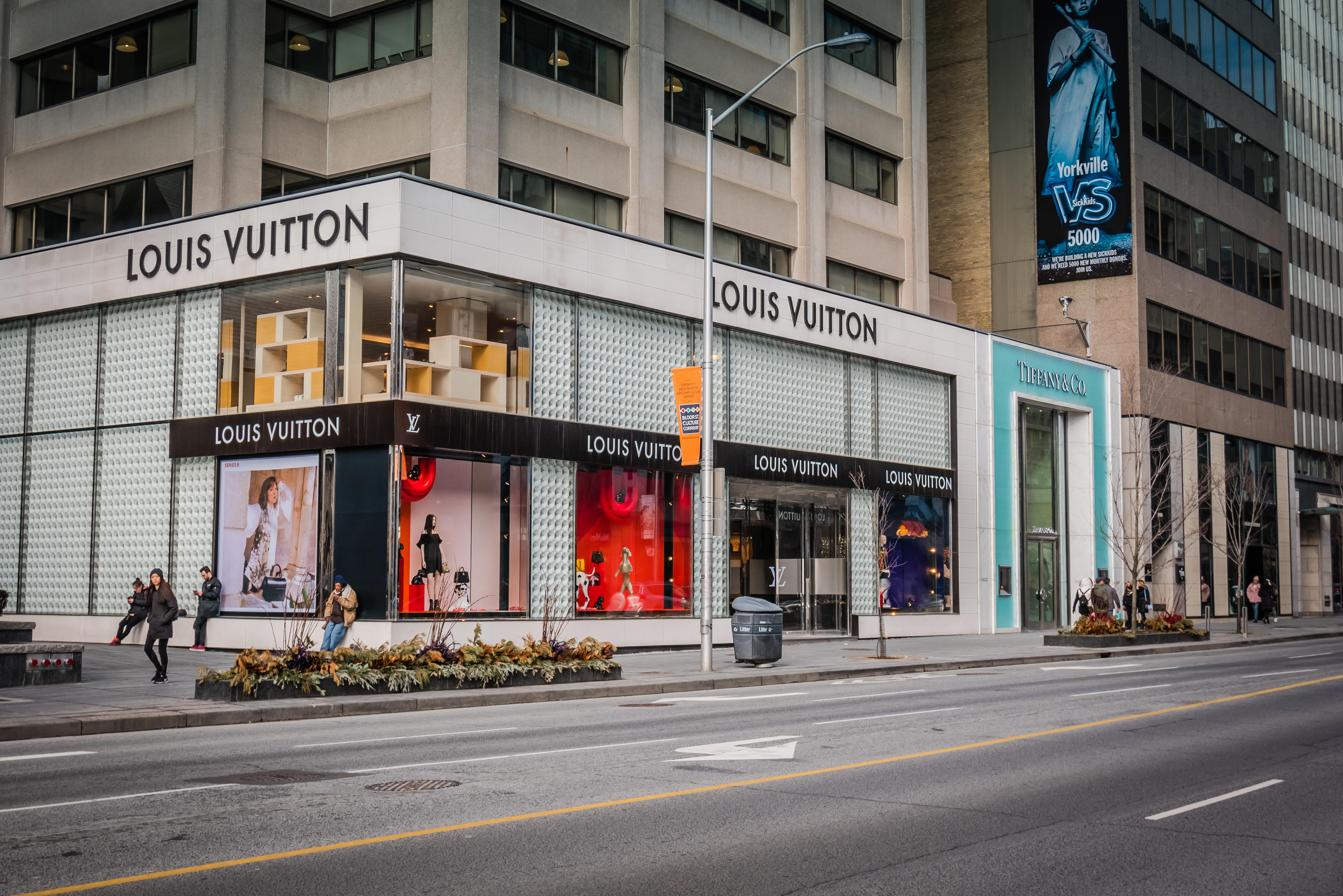 louis vuitton on bloor street toronto
