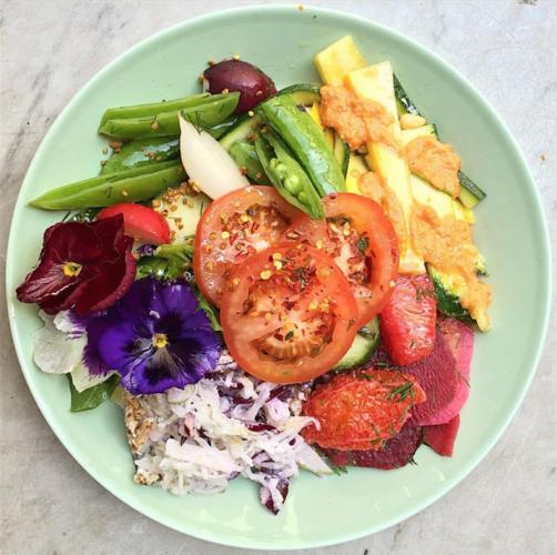 raw-press-salad-plate