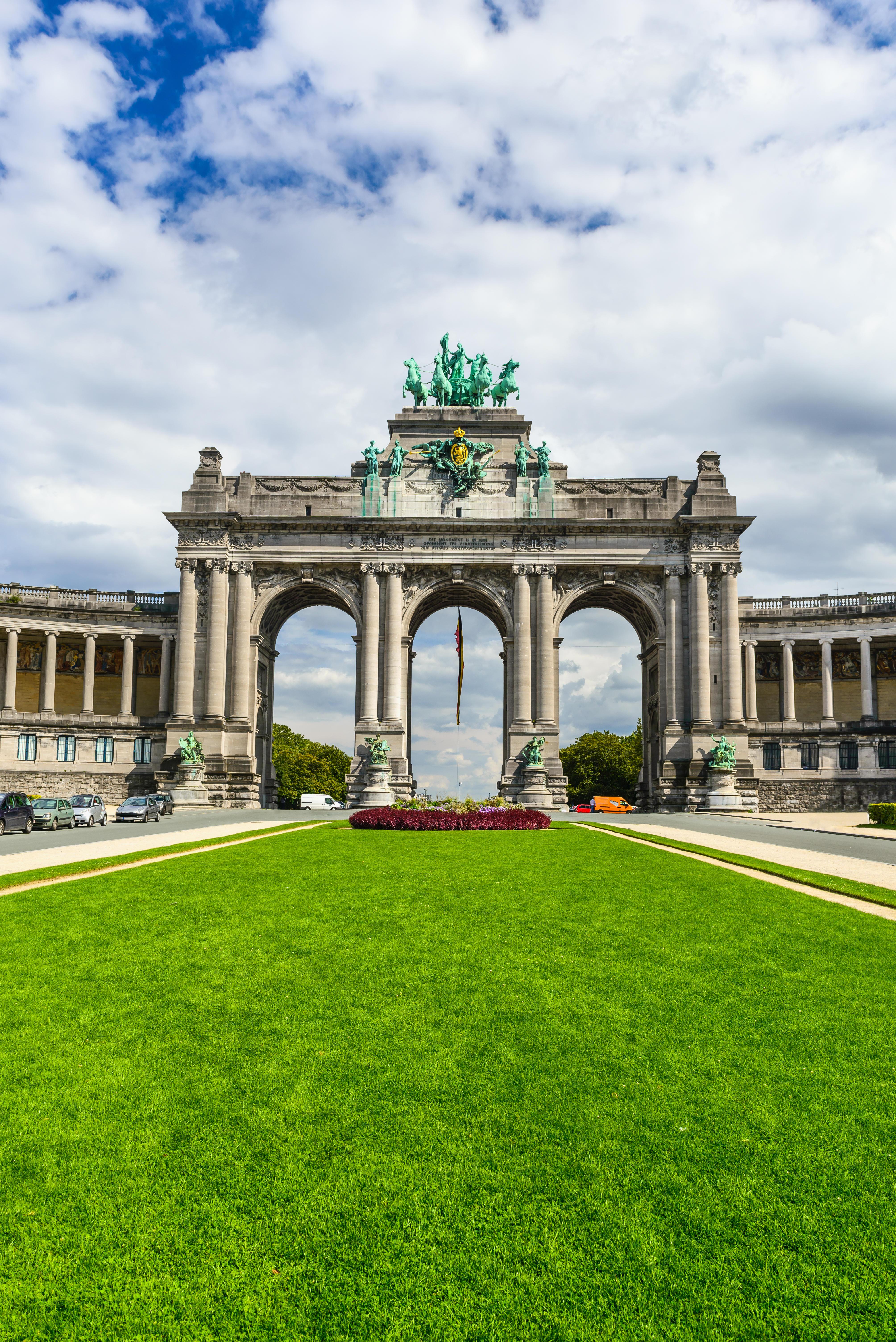 Bruxelles, Belgium. Parc du Cinquantenaire with Arch built for the Golden Jubilee celebrations of Belgian independence. Brussels